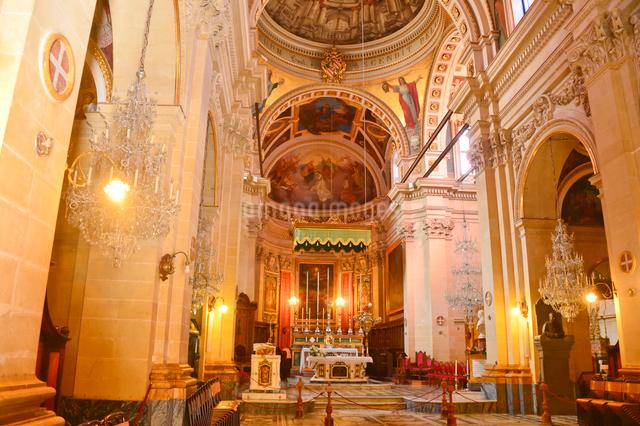 大聖堂内部の写真素材 [FYI01558063]