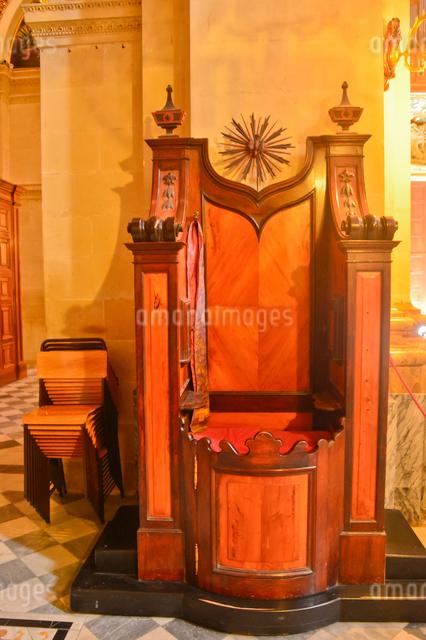 大聖堂 懺悔するところの写真素材 [FYI01558296]