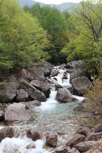 金峰山登山中に見た千曲川の源流の写真素材 [FYI01558315]