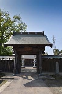 間宮林蔵(北方探検家・地理学者)の墓がある専称寺の写真素材 [FYI01558321]