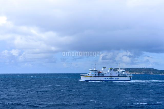 ゴゾ島行きフェリーの写真素材 [FYI01558730]