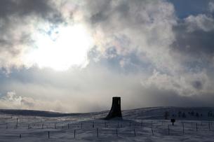 美ヶ原 雪と美しの塔の写真素材 [FYI01558818]