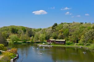 アンデルセン公園 太陽の池ボート乗り場の写真素材 [FYI01559286]