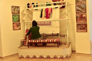 トルコ絨毯織物工場の写真素材 [FYI01559822]