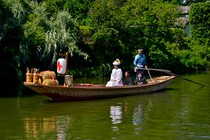潮来あやめ祭りの嫁入り舟の写真素材 [FYI01559840]