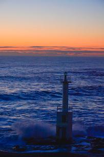 大洗海岸の波しぶきの写真素材 [FYI01559851]