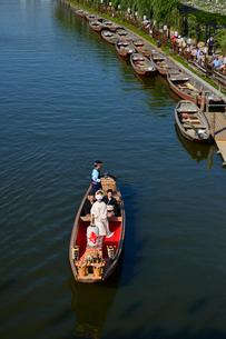 潮来あやめ祭り嫁入り舟の写真素材 [FYI01560311]