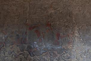 アンコール・ワット遺跡 回廊の浮彫の写真素材 [FYI01560320]