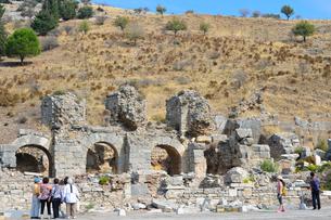 エフェソス遺跡群 ヴァリウスの浴場の写真素材 [FYI01560539]
