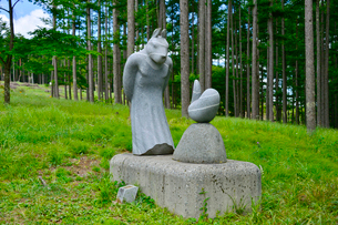 富士見高原創造の森彫刻公園の作品の写真素材 [FYI01561123]