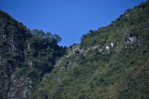 インカ道と太陽の門の入口の写真素材 [FYI01561685]