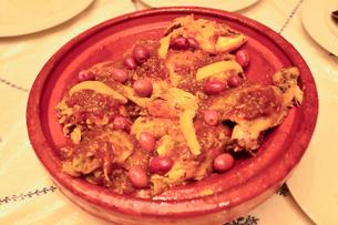 モロッコのコ(ケ)フタ料理の写真素材 [FYI01561734]