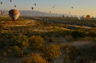 熱気球からみたカッパドキアの写真素材 [FYI01562019]