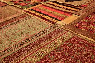 トルコ絨毯織物工場の写真素材 [FYI01562330]