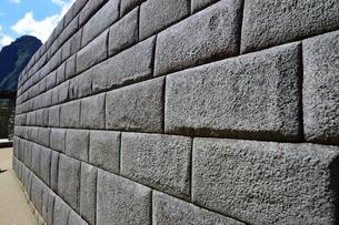 マチュピチュ遺跡の精巧な石組みの写真素材 [FYI01562688]