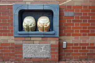 江戸東京野菜の御用ウリ由来を物語るウリ人形の写真素材 [FYI01562762]