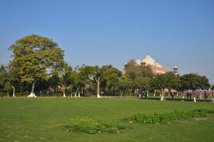タージ・マハールの建造物群と庭園の写真素材 [FYI01563031]