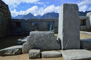マチュピチュ遺跡の3つの窓の神殿の写真素材 [FYI01563652]