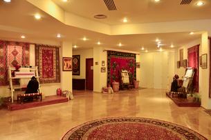 トルコ絨毯織物工場の写真素材 [FYI01563985]