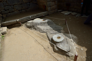 マチュピチュ遺跡の皇帝の部屋にある天体観測用石の写真素材 [FYI01563988]