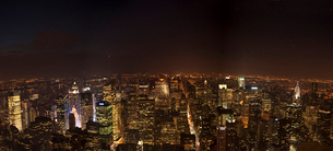マンハッタンの夜景の写真素材 [FYI01565059]