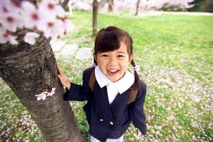 ランドセルを背負った子供の写真素材 [FYI01565504]