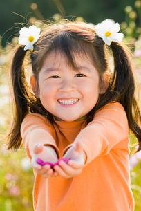 少女の顔アップの写真素材 [FYI01566388]