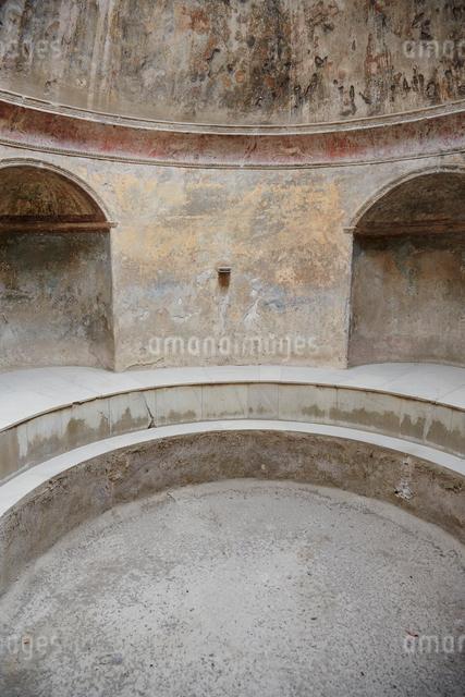 ポンペイの遺跡 風呂跡の写真素材 [FYI01567903]