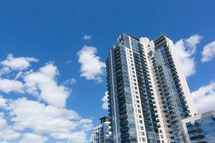 ブルックリン イーストリバー沿いの新興高層住宅の写真素材 [FYI01569847]
