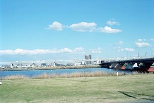 荒川河川敷のグランドの写真素材 [FYI01570107]