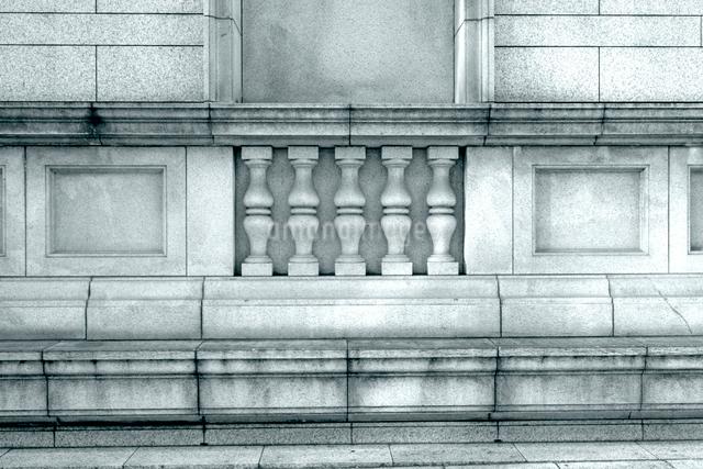 閉鎖された古い建築様式のビルの写真素材 [FYI01570306]