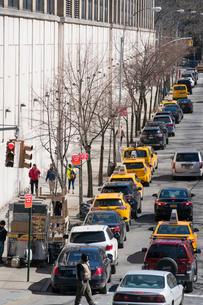チェルシー ミッドタウン マンハッタンのストリートと交通の写真素材 [FYI01570418]