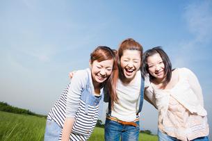 日本人女性の若者の写真素材 [FYI01571136]