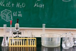 理科の実験器具の写真素材 [FYI01572024]
