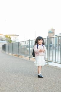 幼稚園児の女の子の写真素材 [FYI01573527]