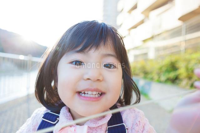 幼稚園児の女の子の写真素材 [FYI01573944]