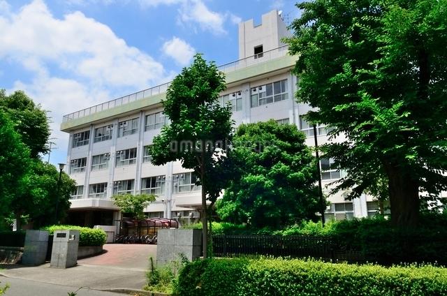 東京都立成瀬高等学校の写真素材 [FYI01580593]