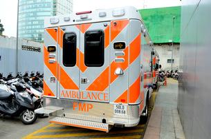 救急車の写真素材 [FYI01580718]