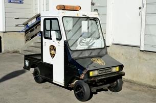 ピア39を巡回警備するミニカーの写真素材 [FYI01580840]