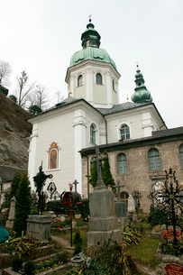 聖ペーター教会墓地の写真素材 [FYI01581203]