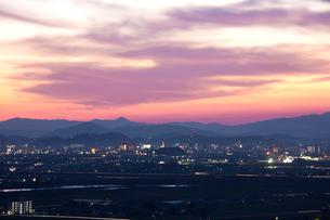 福井の街並み夜景の写真素材 [FYI01582056]