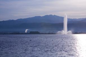 柴山潟と白山の写真素材 [FYI01582393]