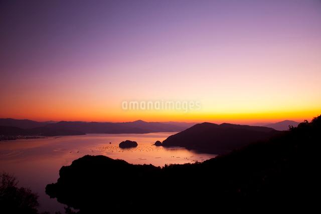 小浜湾の夕景の写真素材 [FYI01582820]