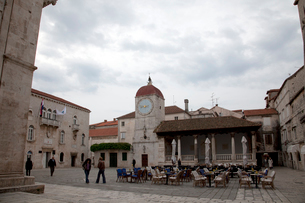 中央広場と時計塔の写真素材 [FYI01582841]