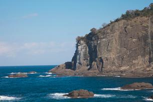 鳥糞岩 越前岬の写真素材 [FYI01584577]