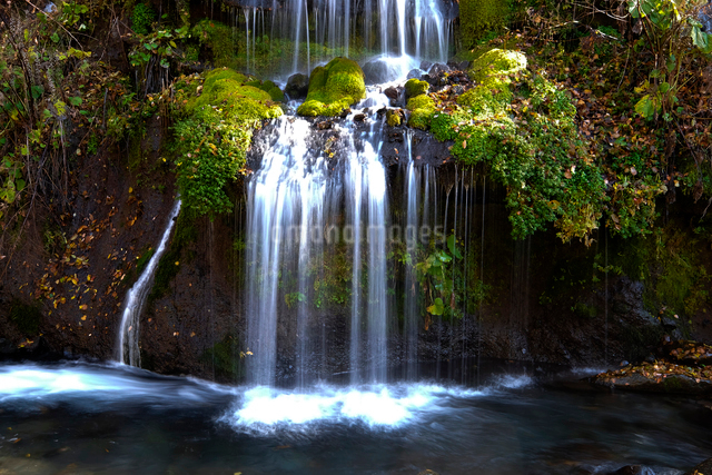 吐竜の滝の写真素材 [FYI01584933]