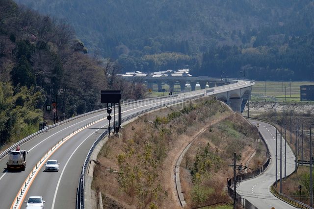 舞鶴若狭自動車道の写真素材 [FYI01585421]