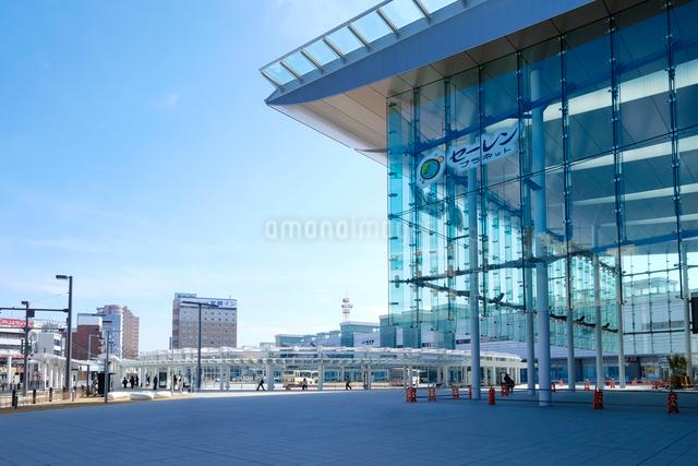 福井駅の写真素材 [FYI01585672]