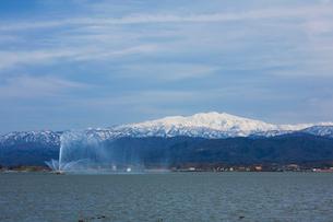 柴山潟と白山遠望の写真素材 [FYI01585823]