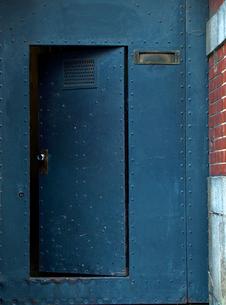 鉄の扉の写真素材 [FYI01586237]